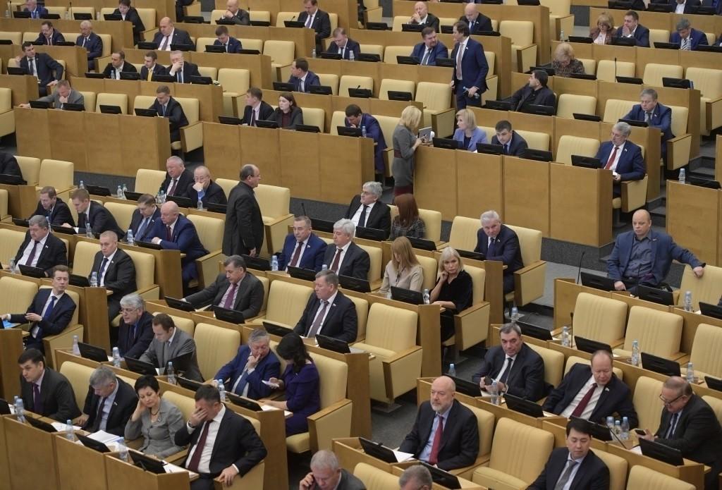 Силуанов рекомендует гражданам РФ хранить сбережения в государственной валюте