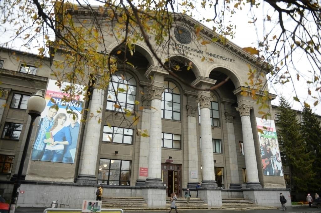 ЕСПЧ присудил Алексею Навальному компенсацию заотказ ФМС Российской Федерации  выдать ему загранпаспорт